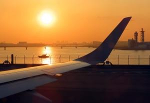 200511haneda_airport_sunset
