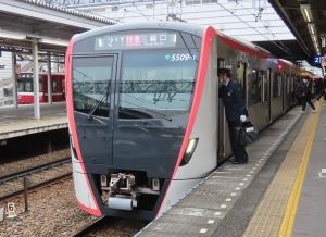 201203toei5500_asakusa