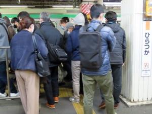 201204hiratsuka_crowded