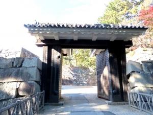 201206nagoyajou_kyuninomaru_higashi2nomo